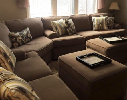 gill-residence-living-room-sectional-sofa